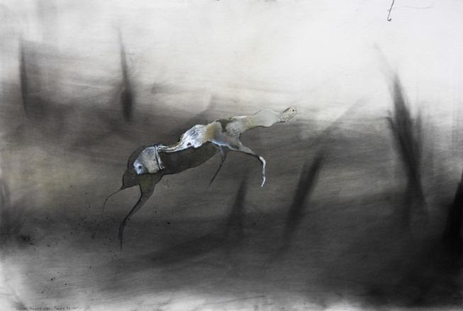 Lionel Sabatté, Caresse boisée, 2016. Charbon, médium acrylique et curcuma sur papier, 120x8cm (Galerie C)